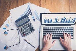 Miniature d'une photo représentant des outils de comptabilité.